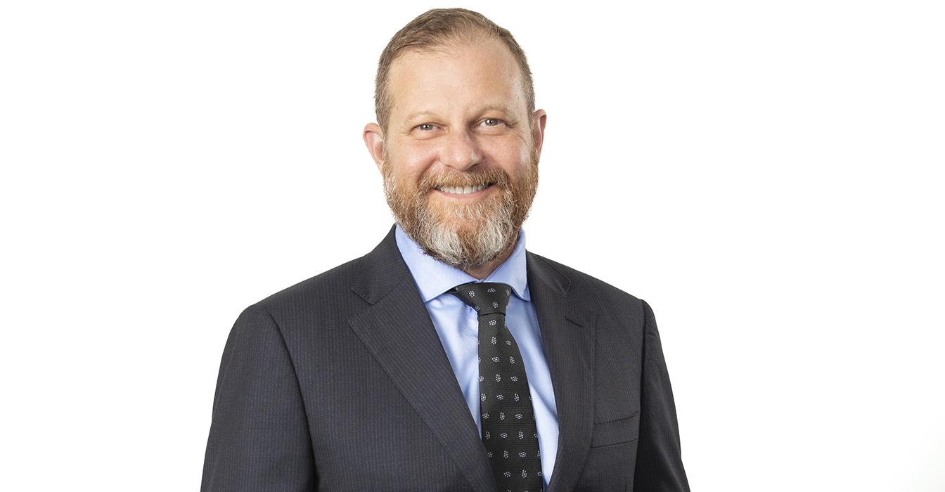 Legal Consultant Limelight: Andrew Saker